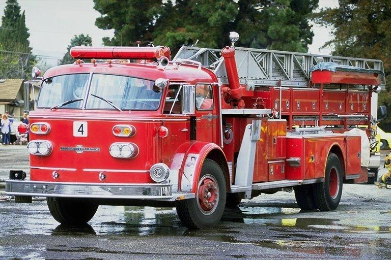 печет картинка старинных пожарных машин смешные ситуации