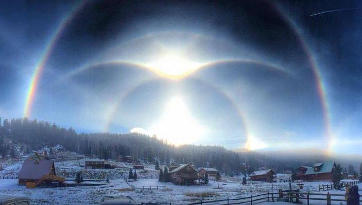 Картинка дня: солнечный столб и тройное гало в Нью-Мексико