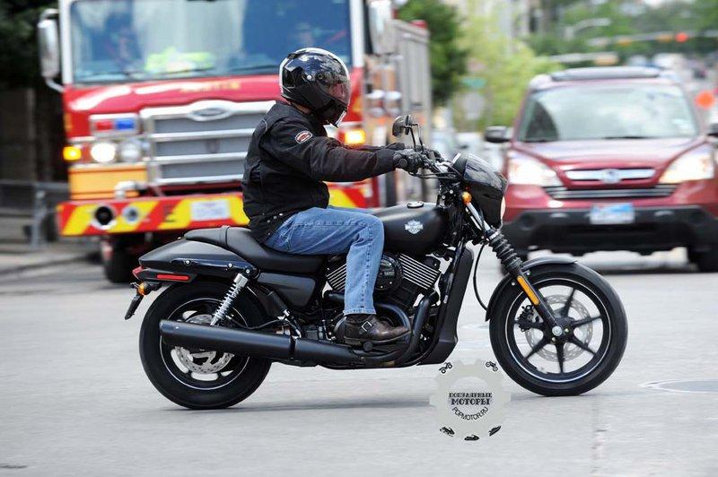 Обзор мотоцикла Harley-Davidson Street 750 2015