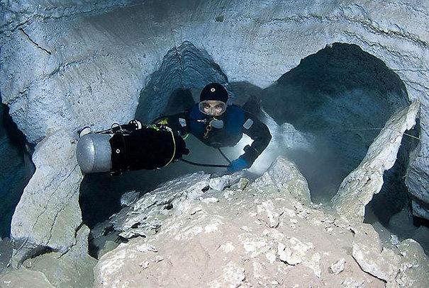 Ординская подводная пещера (15 фото)