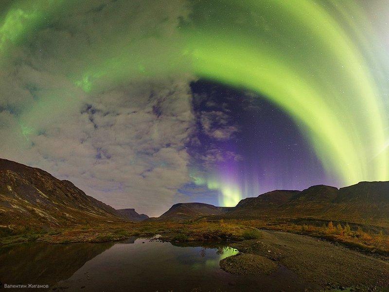 Северное сияние в Хибинах над Кукисвумчорром