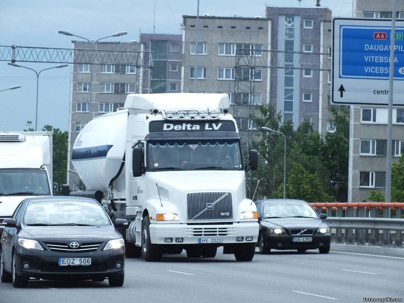 Volvo NH12 - Фото автора Classick - АВТОРСКОЕ ФОТО - Фотоальбомы - Фотопрогулки Леонида Гайбовича