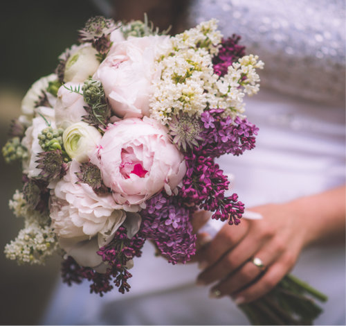 Сиреневые свадебные букеты