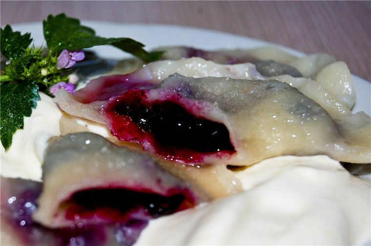 Картинки по запросу Рецепты лесных ягод Черничные вареники