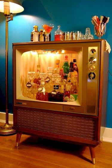 мини бар из старого телевизора