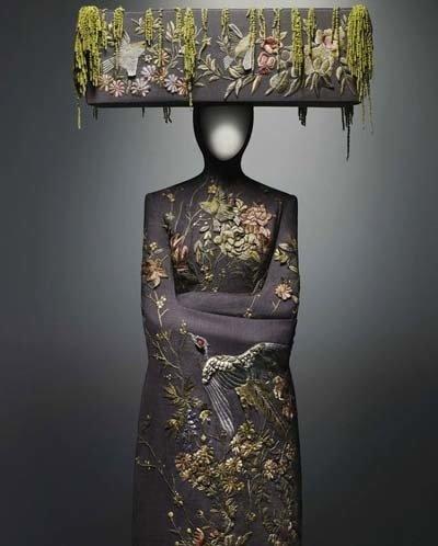 авангардная мода McQueen