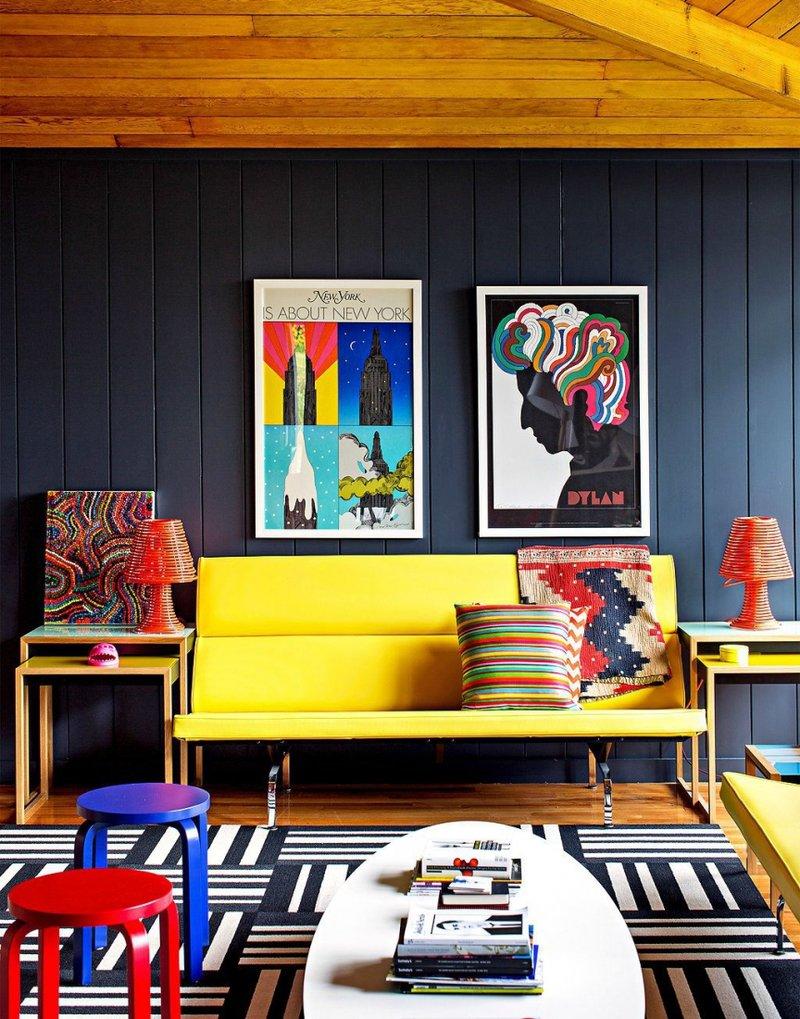 Постеры в интерьере гостиной