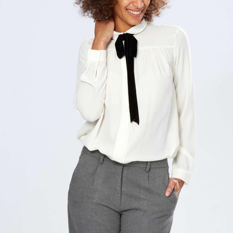 Рубашка с воротником-галстуком из бархата Женщины, размеры 34-52 - Kiabi - 1300,00руб.