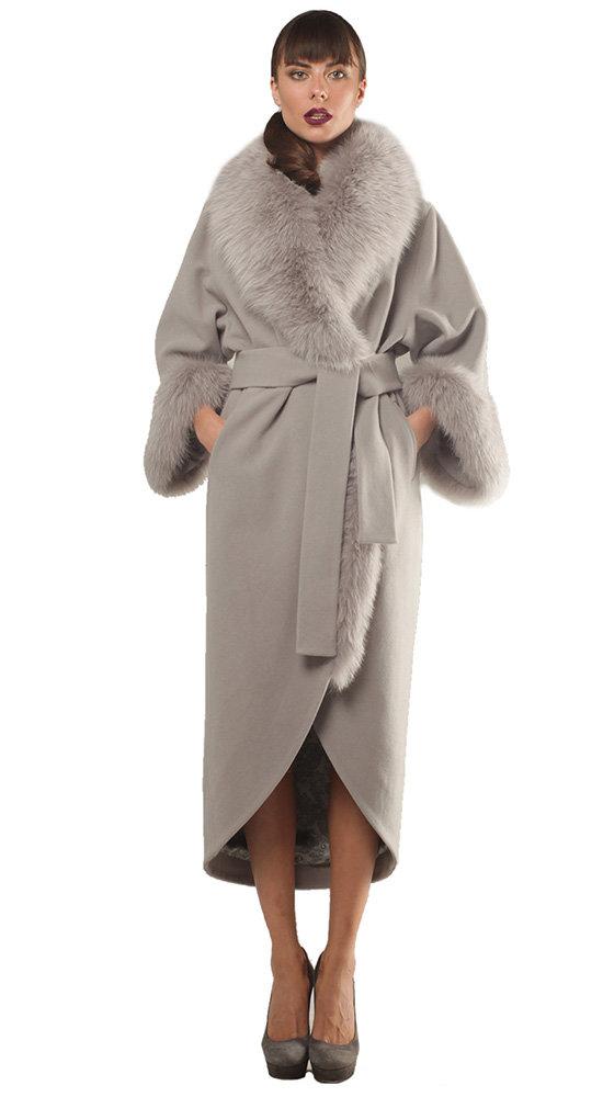 Светлое пальто Филлини