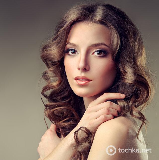топ-10 романтических причесок на выпускной