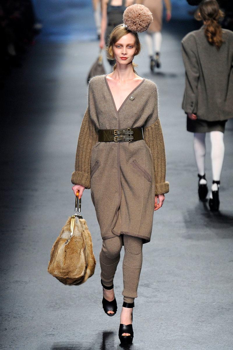 весеннее вязанное пальто