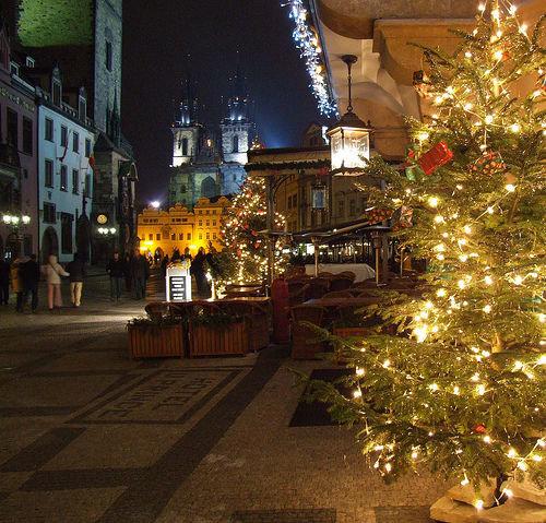 Ярмарка, традиционно начинающаяся в канун Рождества,