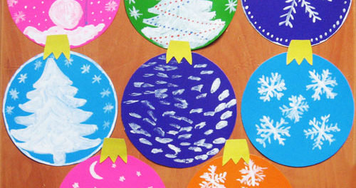Узнайте о том, как сделать новогодние шары из бумаги своими руками.В этой статье находится пошаговая инструкция и фото, которое позволит увидеть их создание
