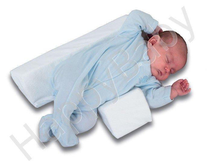 Первые месяцы своей жизни грудничок спит практически круглосуточно.