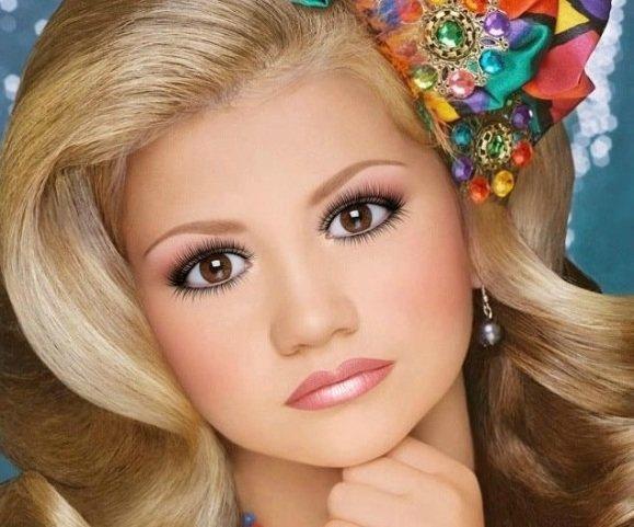 Кукольный интересный макияж