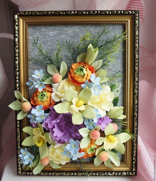 Картина с цветами из полимерной глины в интернет-магазине на Ярмарке Мастеров. Картина с цветами из полимерной глины . Оригинальный подарок для интерьера Вашего дома . Замечательная авторская работа - цветы ручной работы оформленные в рамке. В работе использованы цветы: розы, пион, орхидеи, гардении. Картину можно поставить на стол или повесить на стену