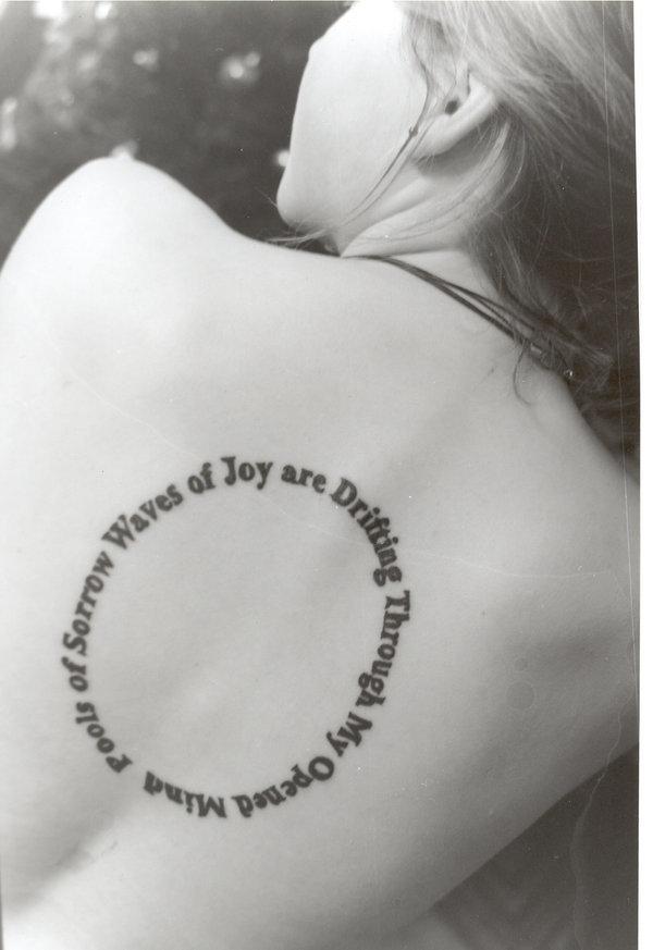 маленькие тату надписи для девушек - 50 идей для маленьких красивых татуировок для девушек