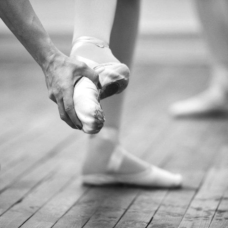 Фотопроекты наших читателей: «Балет. Без лиц. Без имен» - citydog.by  | журнал о Минске