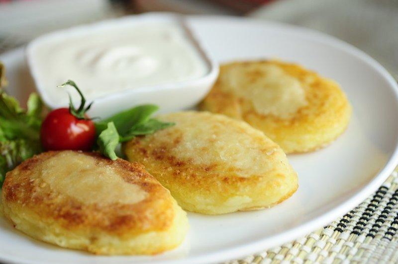 Картофельные зразы с яйцами и зеленым луком. Рецепт