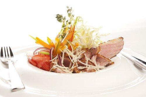 Салат из свинины с острова Ява. Индонезийская кухня. Рецепты приготовления красивых, вкусных, праздничных салатов с фото готового блюда. - Рецепты приготовления салатов - Рецепты приготовления салатов, супов, рецепты выпечки с фото - Рецепты приготовления супа, рецепты салатов, тортов