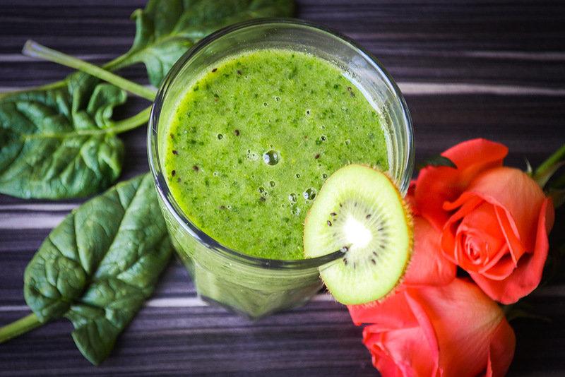 В этот смузи входят только зеленые фрукт и овощи