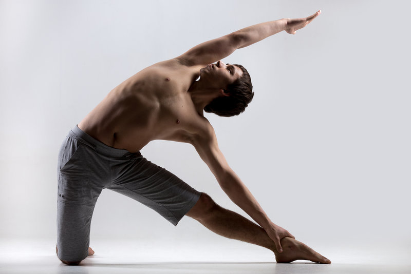 Жара - время для растяжки. Как увеличить гибкость с помощью йоги?