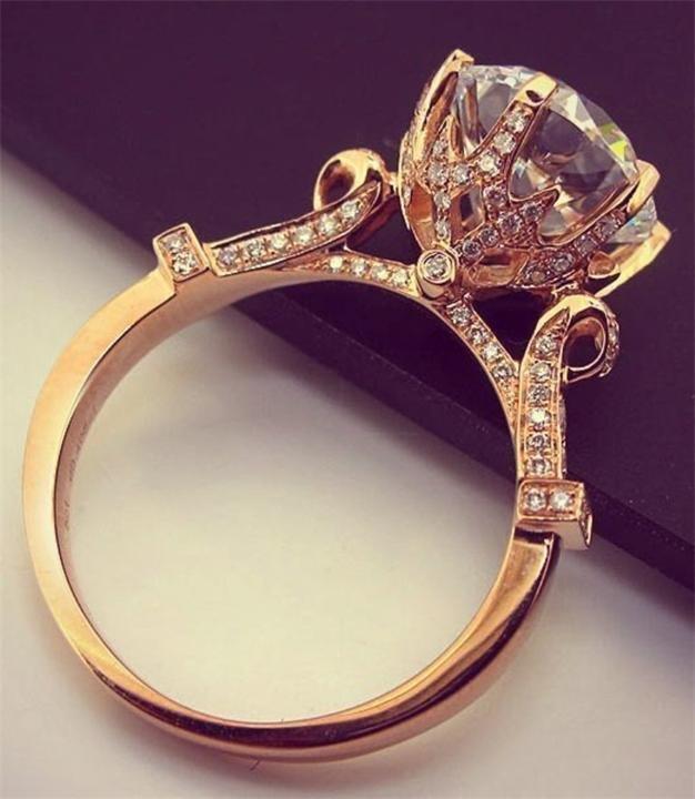 кольца обручальные с бриллиантом фото