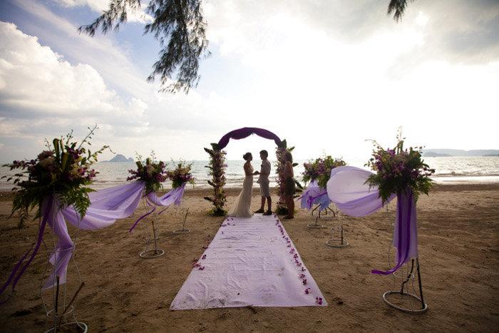 Романтичная церемония - свадьба на пляже