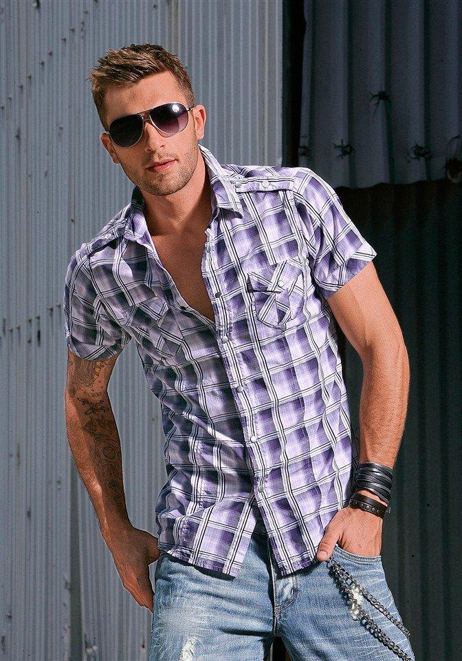 лиловая рубашка в клетку с коротким рукавом