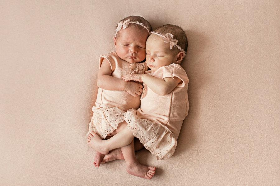 Картинки красивые двойняшки