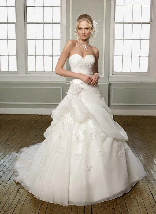 Свадебное платье нужно ли