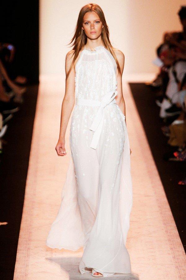 Ищете модные вечерние платья 2017-2018  фото. Смотрите самые красивые  вечерние платья фасоны 51c9c699aed