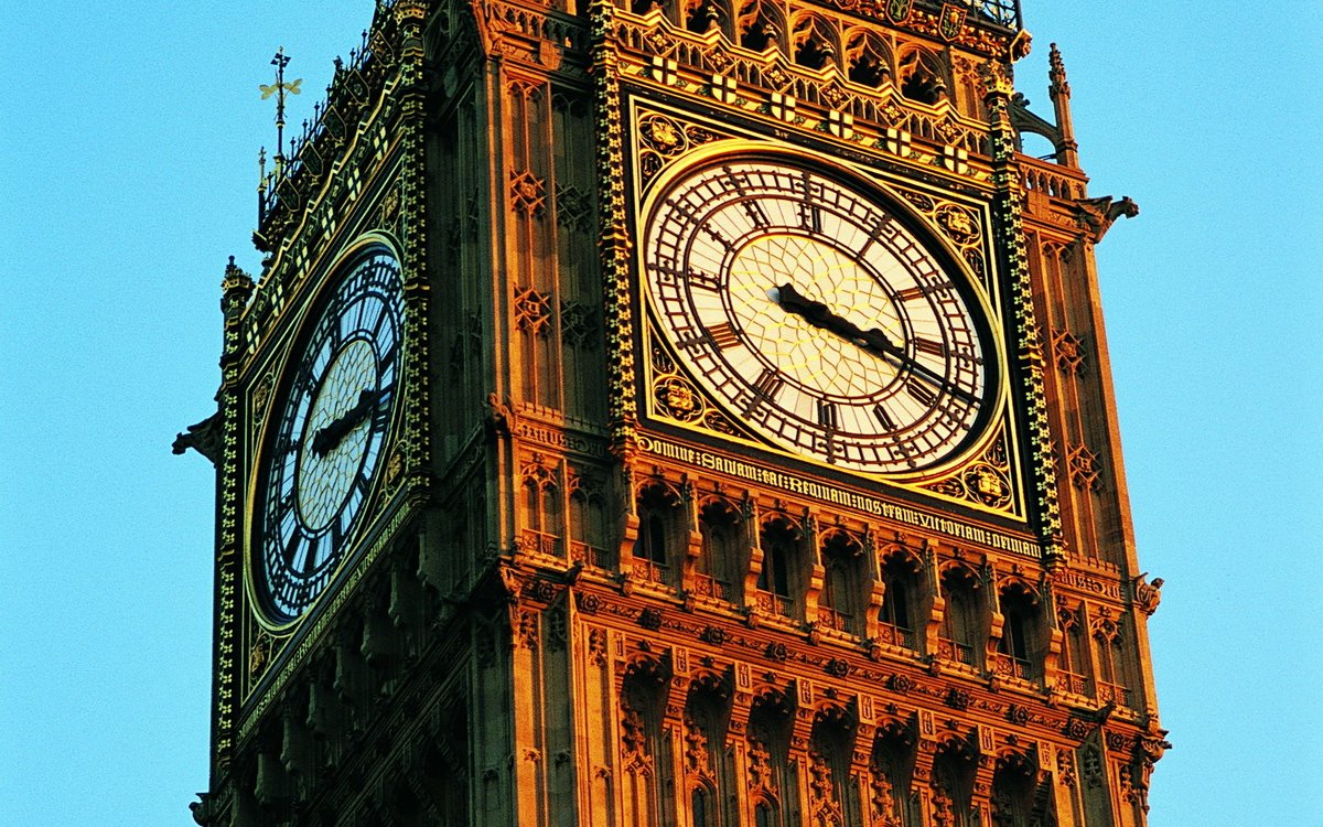 london big ben Big ben is the nickname of a bell that hangs in the clock tower at the northern end of the houses of parliament in westminster, london, england officially, the tower itself is called elizabeth tower.