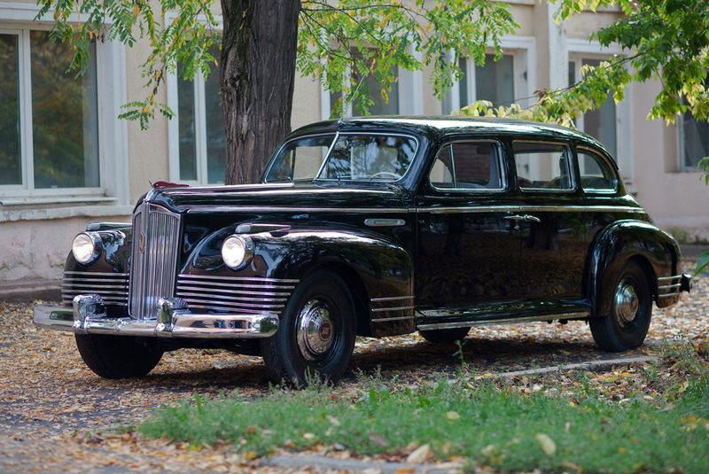 ЗиС-110. В 1940—1950-х годах венцом автопрома был ЗиС — семиместный лимузин, выпуск которого стартовал сразу после победы над фашистской Германией.