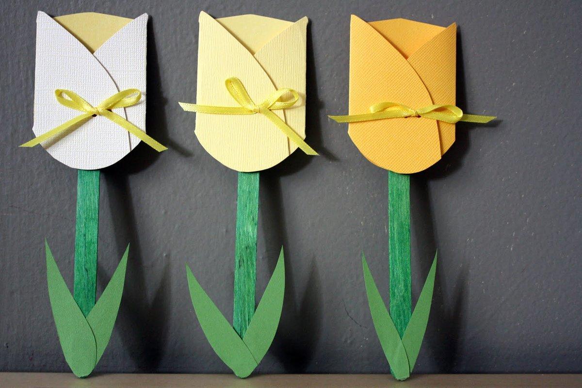 Гифка, открытка для мам тюльпаны