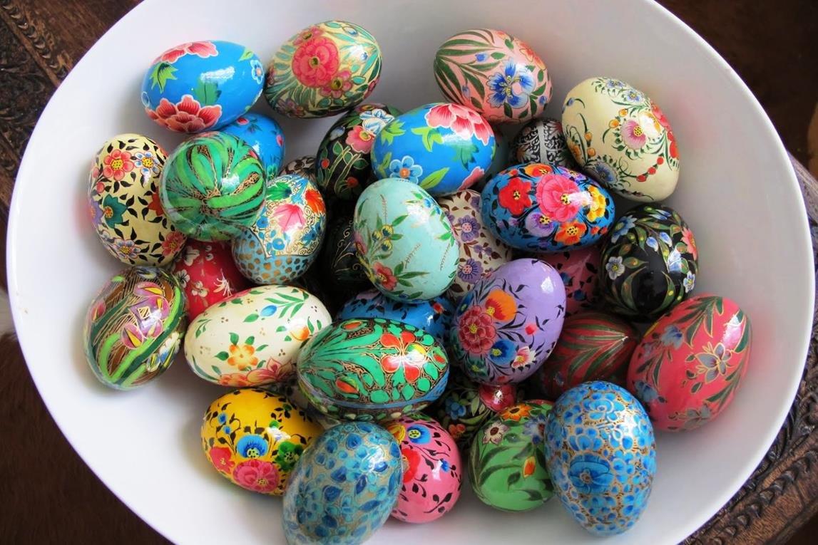 окраска яиц на пасху фото малые