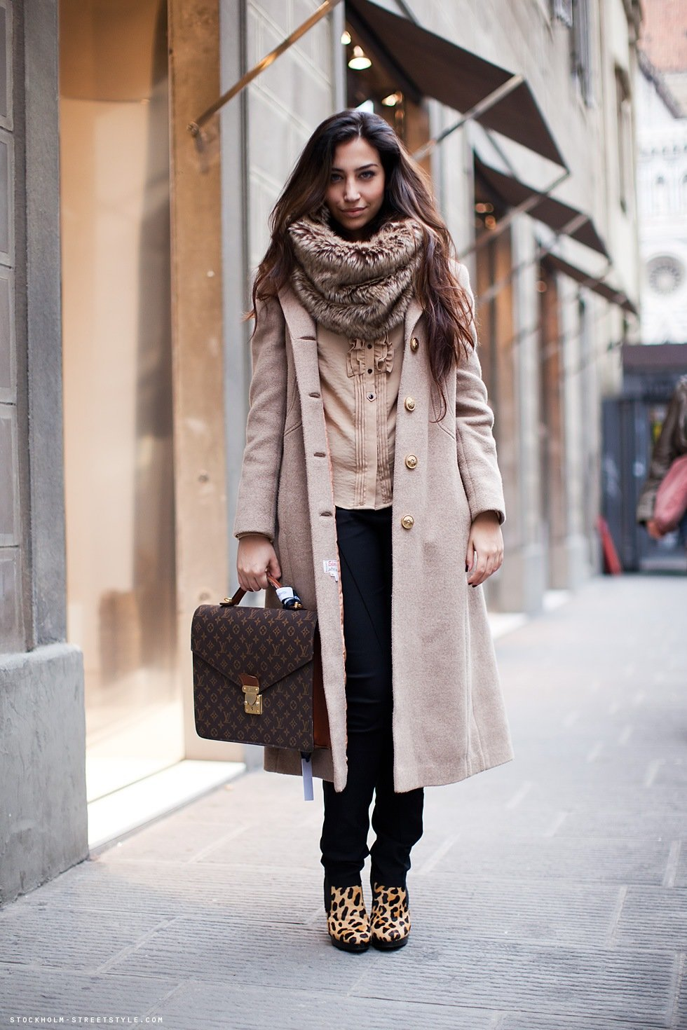 цвет объекта шарфы зимние под пальто фото тому, что большая