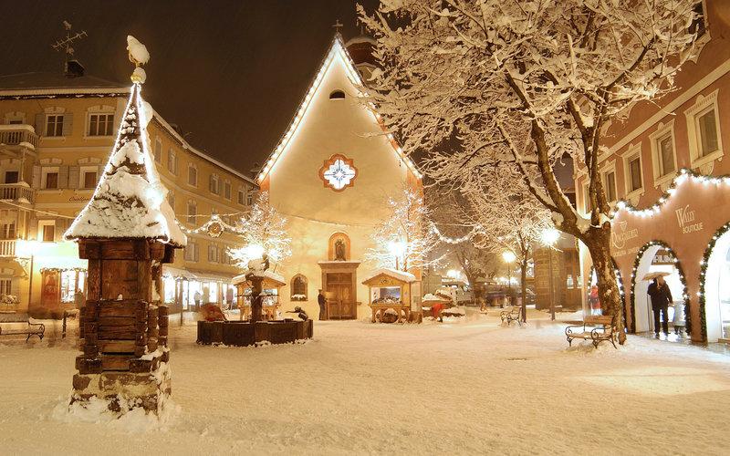 сквер в снегу