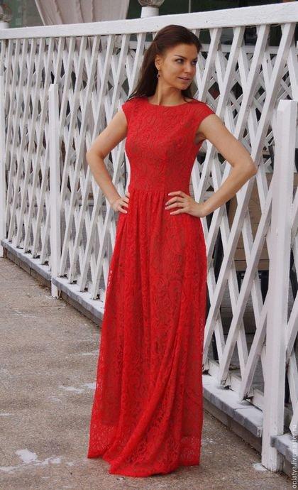 Купить или заказать Платье  Флор - платье длинное, вечернее платье в интернет-магазине на Ярмарке Мастеров. Роскошное длинное платье! Платье Флор сочетает в себе насыщенный красный цвет, нежное кружево и изысканный силуэт. В таком платье Вы будете неотразимы! Детали: Ворот платья - лодочка. Силуэт -плотное облегание. В левом боковом шве потайная молния. Полочка и рукав цельнокроенные, с вытачками. Длина платья от пояса - 118 см. Подкорректирую под Ваш рост. Размер платья на фото - 44.