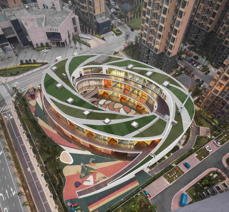 Детский сад, расположенный в районе Хуэйшань в Китае.