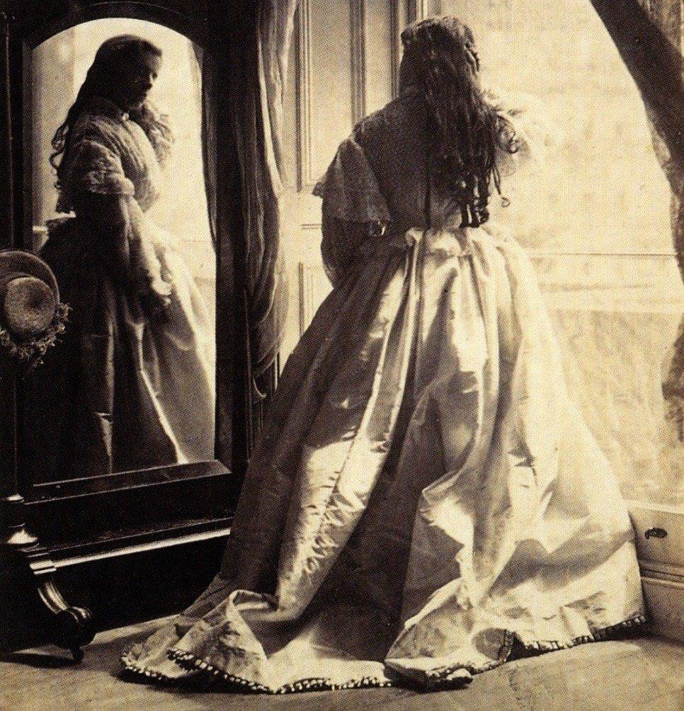 марки или работы фотографов викторианской эпохи этого все
