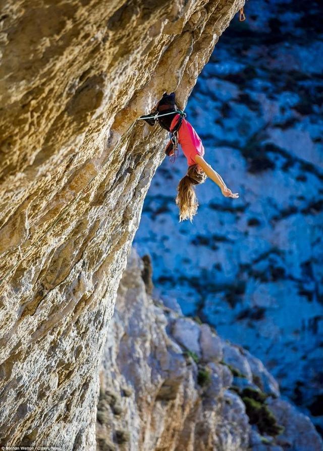 Фото скалолазы на скале