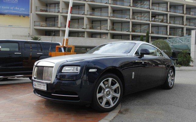 2013 Rolls-Royce Wraith, стоимостью приблизительно в 500 000 $.