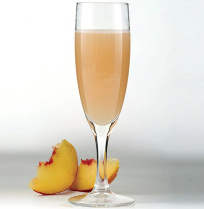 """Коктейль """"Персиковая дымка"""" на основе шампанского к праздникам"""