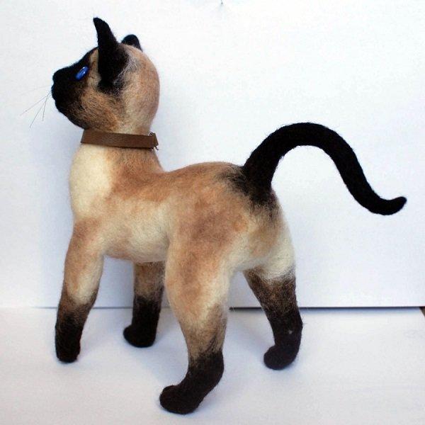 Реалистичный кот