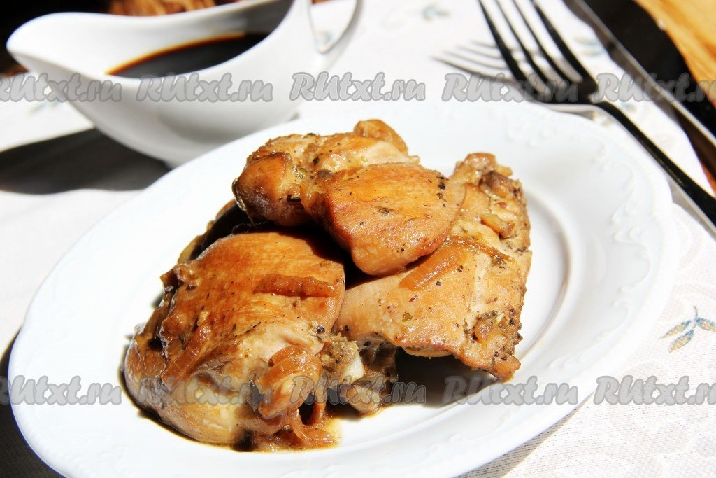 куриное филе в соевом соусе на сковороде с овощами