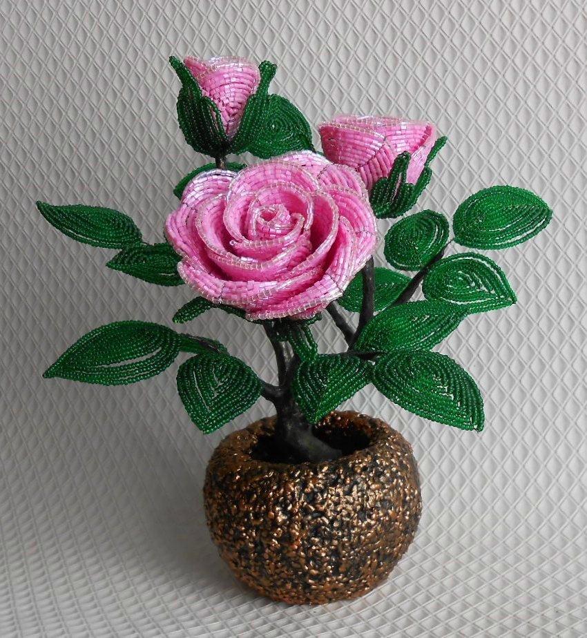 Маленькая роза из бисера картинки