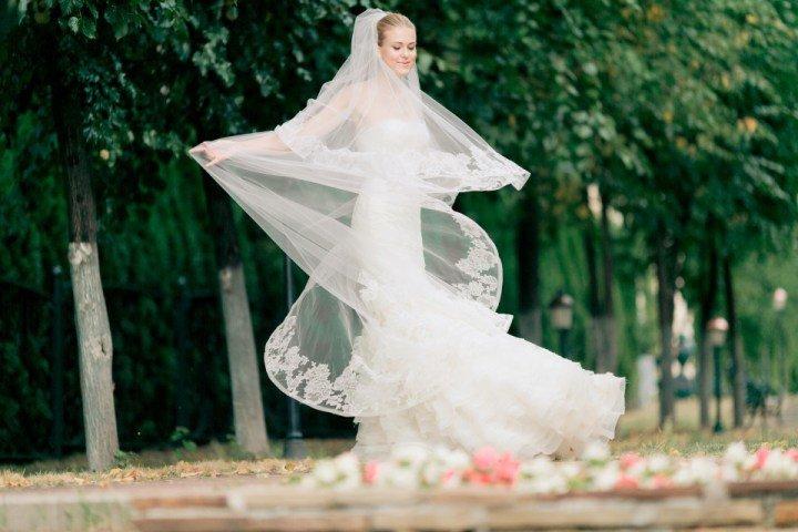 Поиск свадебного платья – несомненно, одна из самых ответственных задач во всей подготовке. Сегодня мы собрали для вас 8 советов по свадебному шопингу!