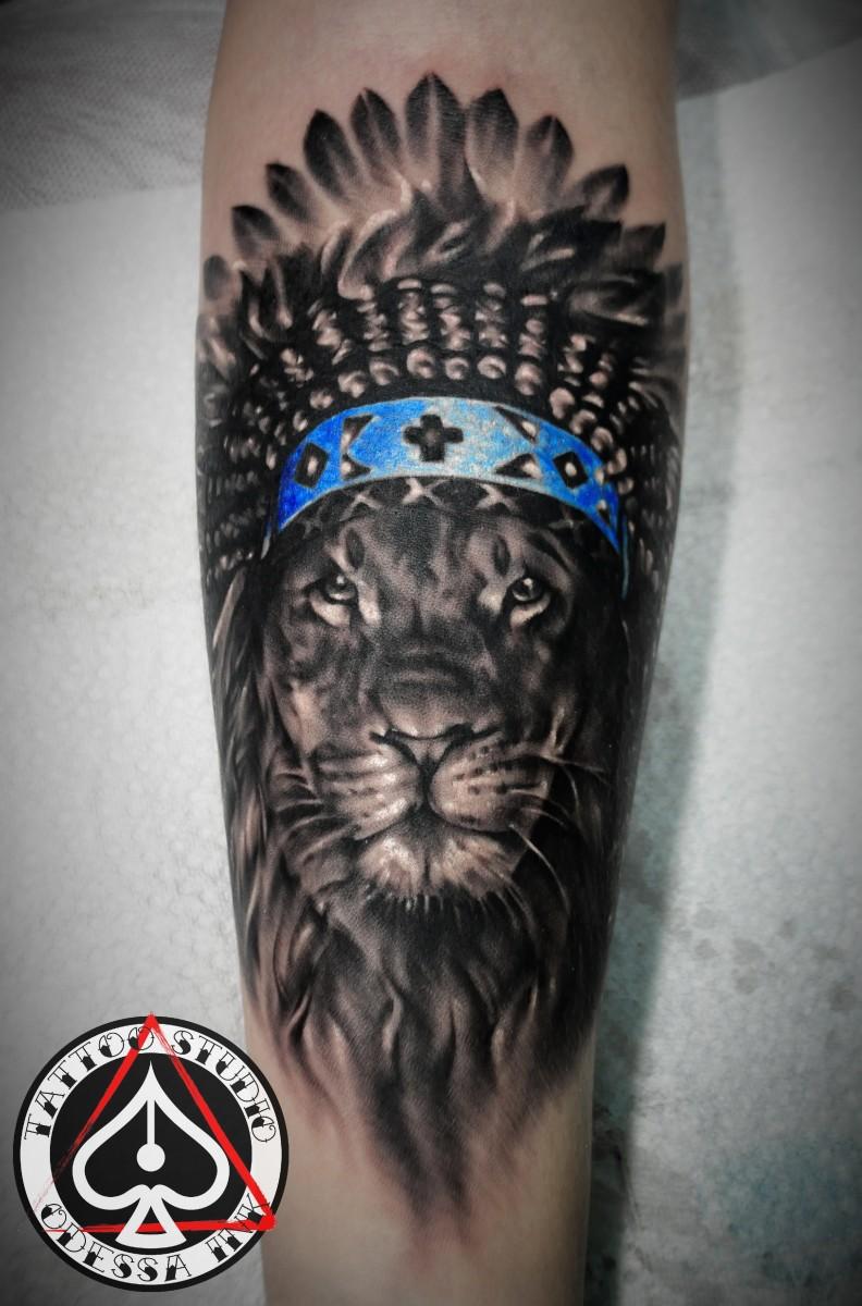 Фото татуировок у девушек ню