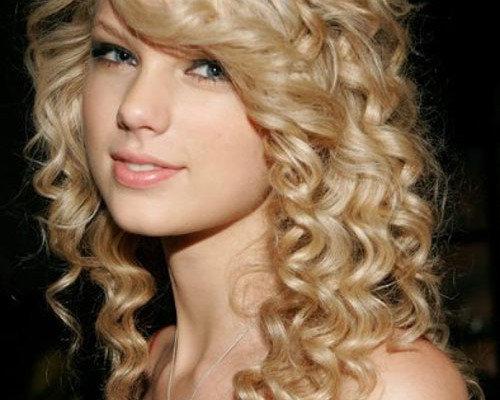 Локоны на средние волосы блондинок